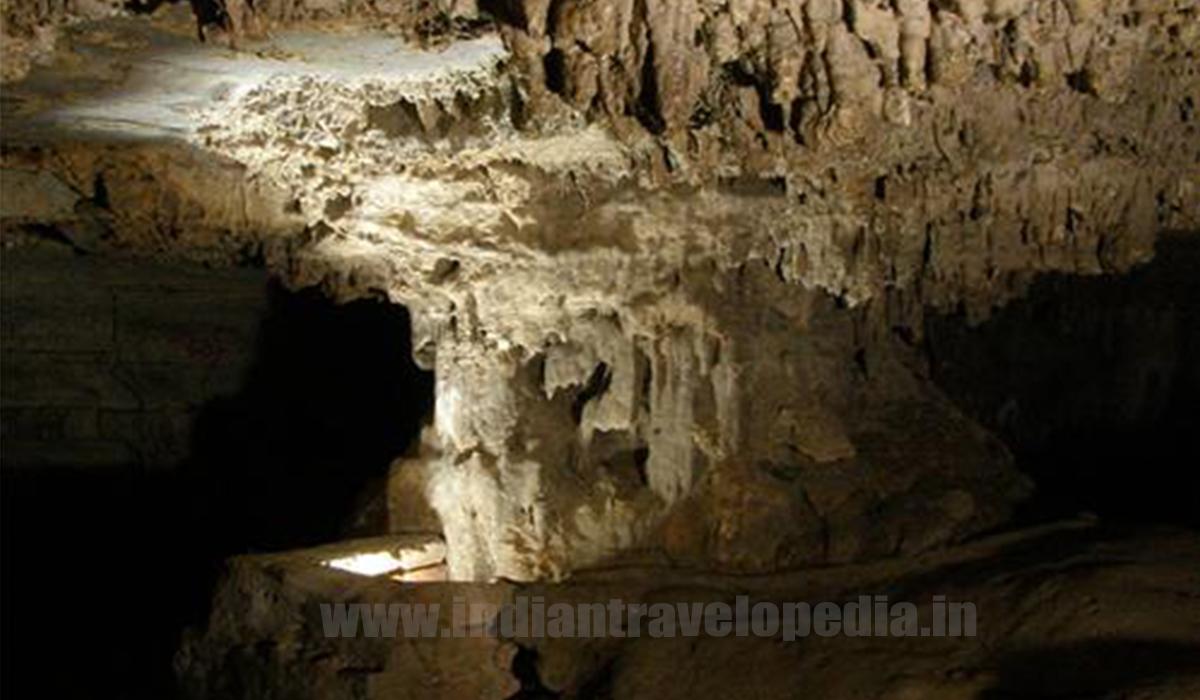 Top Ten tourist places in Andhra Pradesh_Yadiki caves