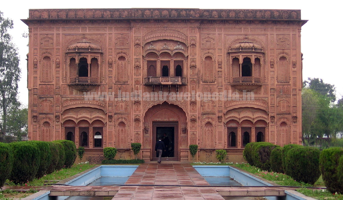Top Ten tourist places in Punjab_Lodhi fort